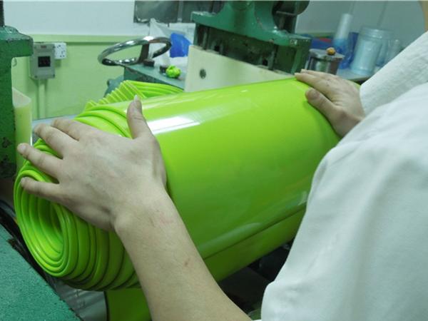 固态硅胶炼胶工艺